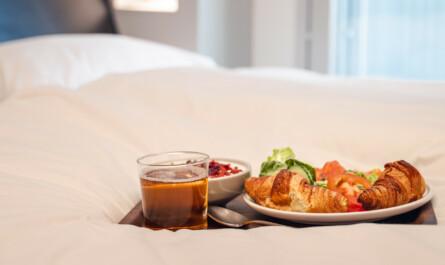 VALO Hotelli Helsinki huonepalvelu aamiainen